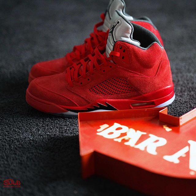 "SP Sole Shouts  The Nike Air Jordan  5  V ""Flight Suit"" b60f969de908"